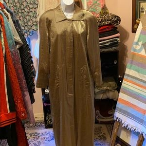 Gold lame trench coat, collared, button front
